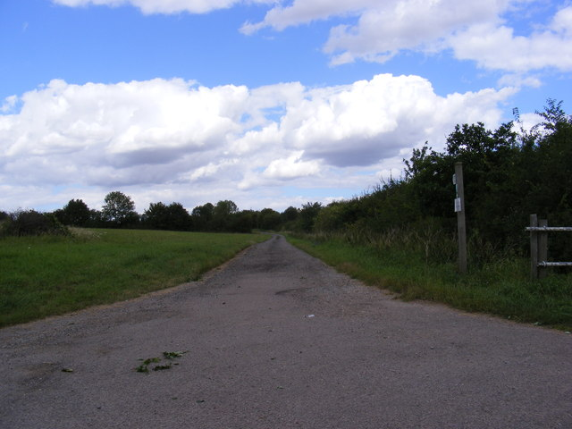 Footpath to Rectory Road & Entrance to Brook Farm