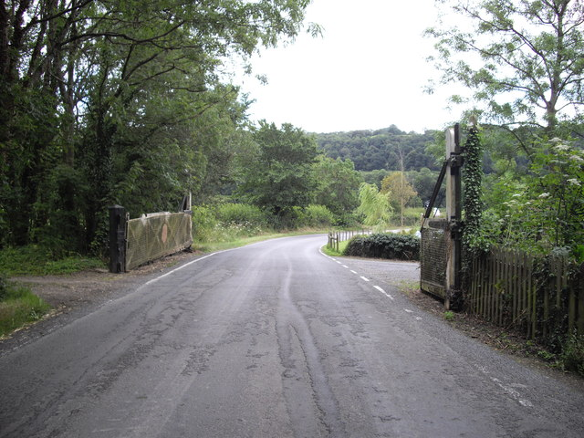 Level crossing gates on dismantled railway, Dryslwyn Fawr