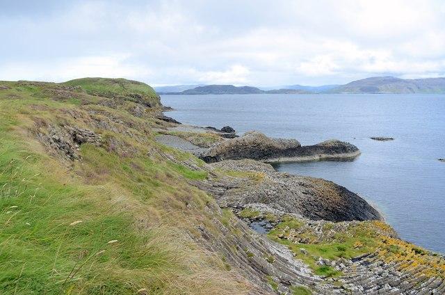 Cliff edge, Staffa
