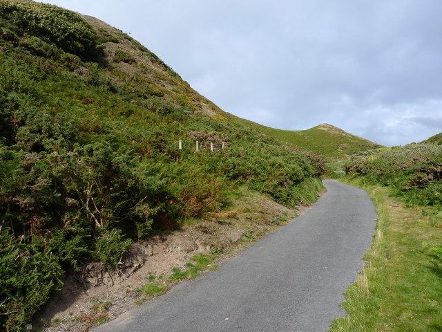 Track & bridleway up Cwm Safn-ast