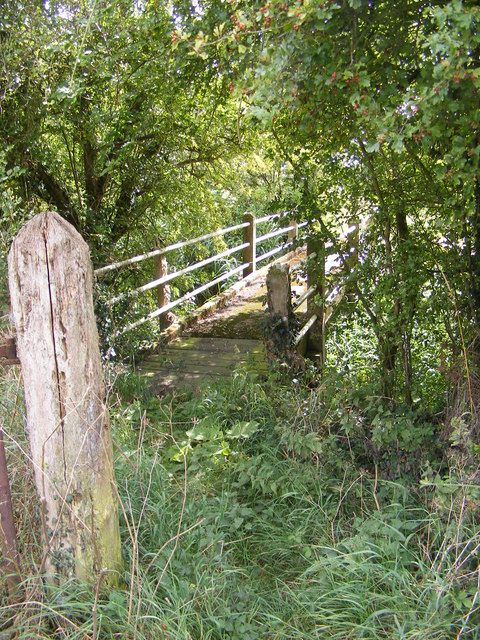 Footbridge of the footpath to Framsden Road