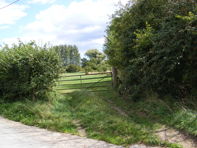 Field Entrance off Swan Lane