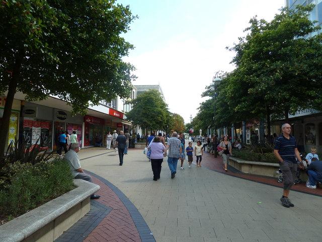 Strolling through Queens Square