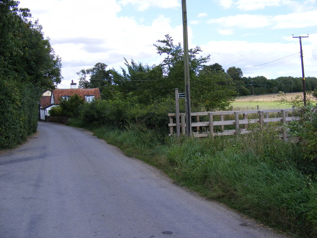 The Street, Framsden & the footpath to the B1077