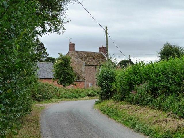 Lane heading to Temple Farm