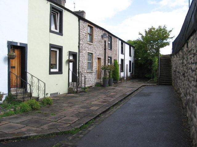 Clitheroe - houses at northern end of Bawdlands