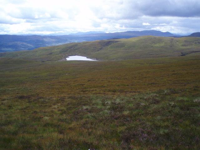 Bhlàraidh Reservoir from Meall nan Aighean southern slopes