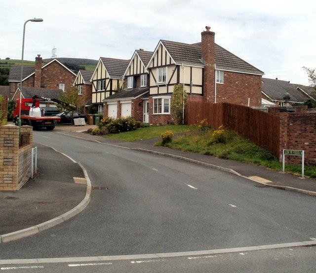 SW side of Lon yr ysgol, Bedwas