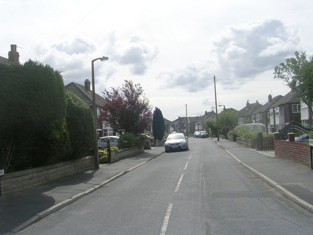 Kingsley Crescent - Kingsley Avenue