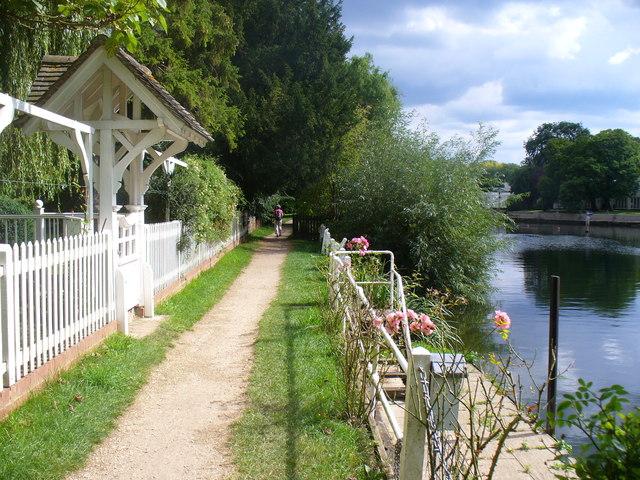 Thames Path at Dorney Reach