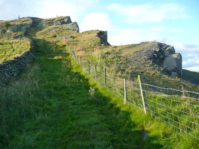 Footpath to Moughton Nab and Scar, Austwick