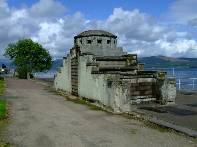 Entrance to the old bathing station