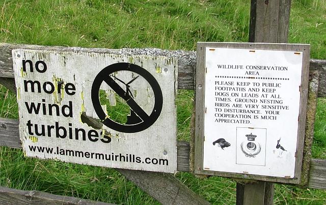 Faded signs, Gairmuir