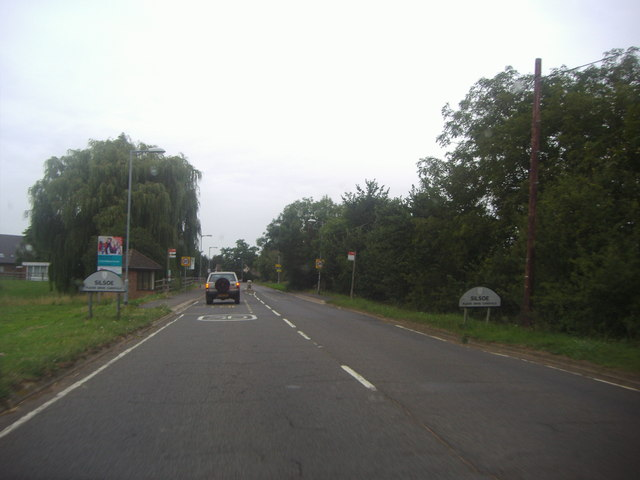 Barton Road entering Silsoe