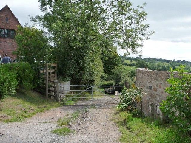 Bridleway to Cleehill