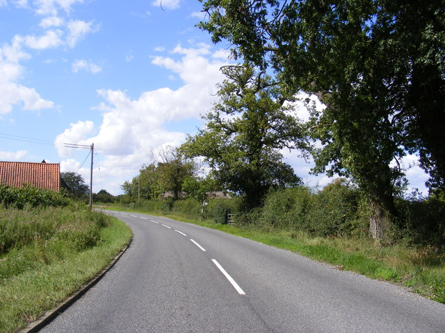 B1079 Helmingham Road & the footpath to Hall Road