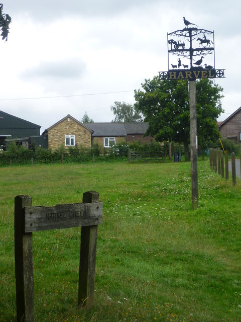 The village green and sign at Harvel