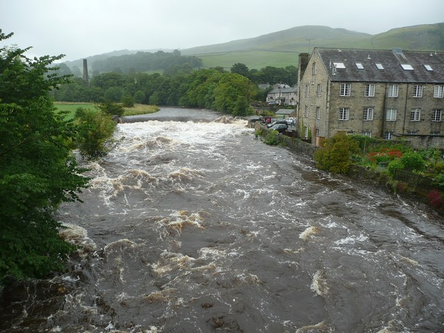 The weir from Settle Bridge