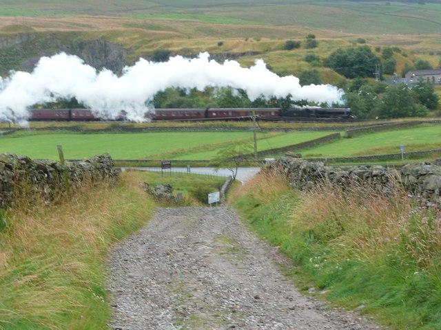 Steam train at Helwith Bridge