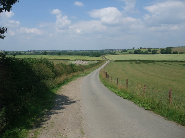 Cycle Route 6 on the narrow road towards Saddington Reservoir