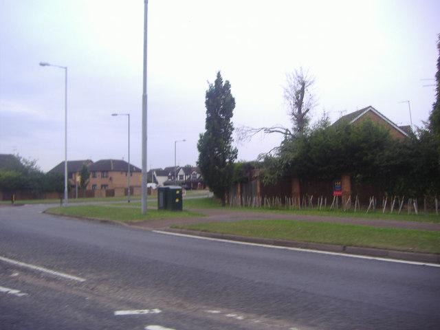 Barton Road by Quantock Rise, Luton