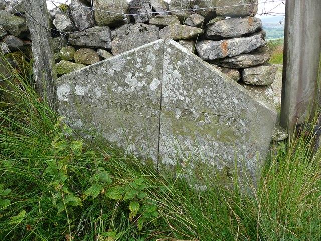 Boundary stone on Moor Head Lane