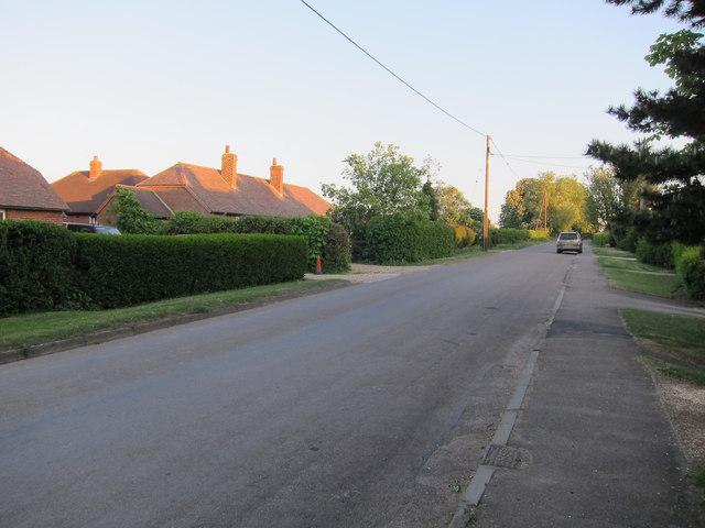 Ashwell Road through Bygrave