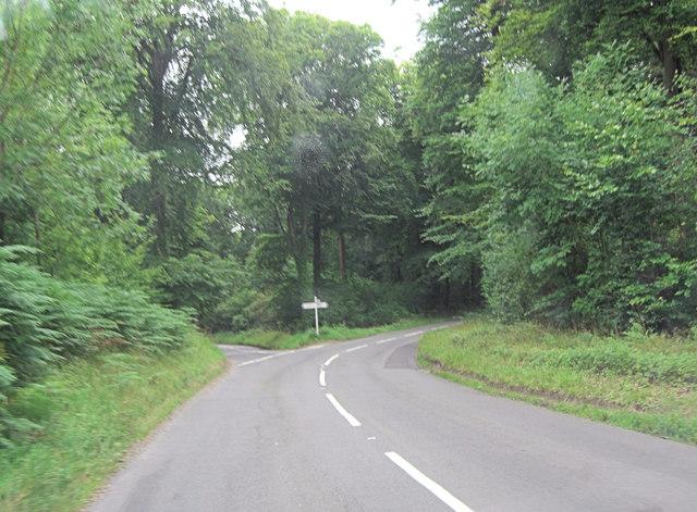 Yattendon Lane road junction