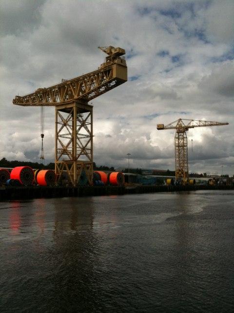 Riverside cranes (River Tyne)