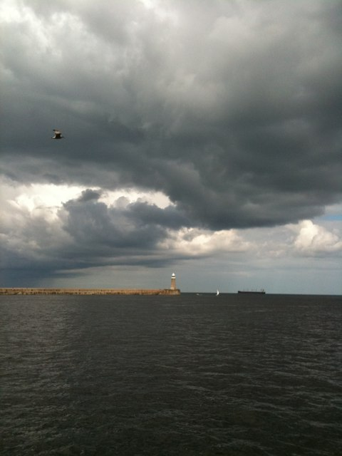 North pier of Tyne Harbour, from the middle of the Tyne