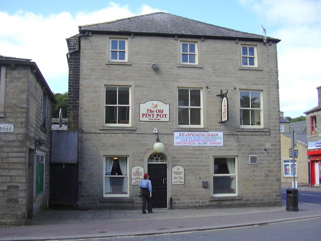 """The Old Pint Pot"" was ""The Waterloo Hotel"" (Pub) Rochdale Road, Bacup, Lancashire OL13 9NW"