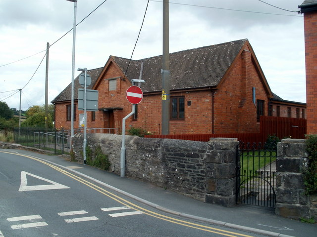 Royston Memorial Hall, Bronllys