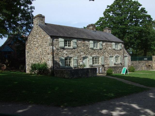 Cwm Llydan Farmhouse