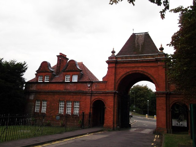 West Lodge and Archway, Avery Hill