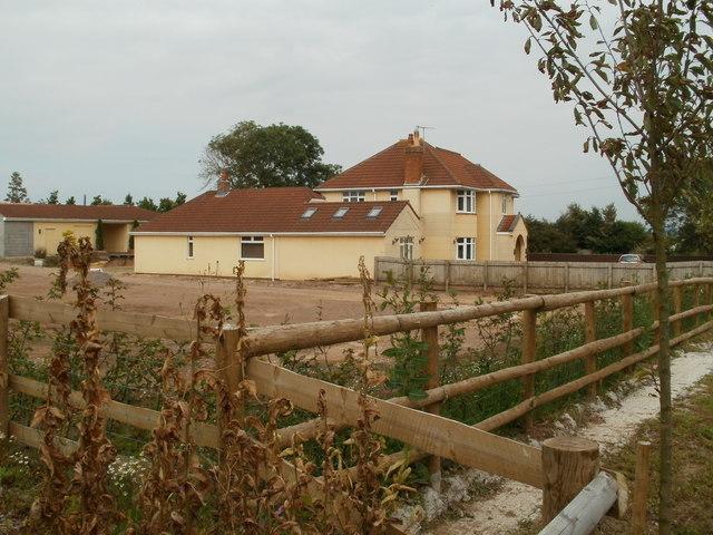 House near the western boundary of Hutton