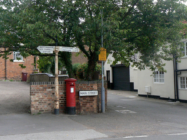 Mews Lane, Calverton postbox (ref. NG14 26)