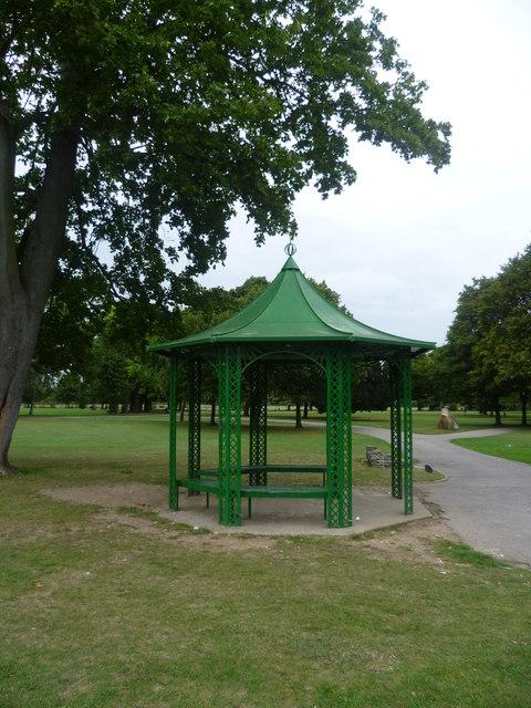 Shelter in Lampton Park