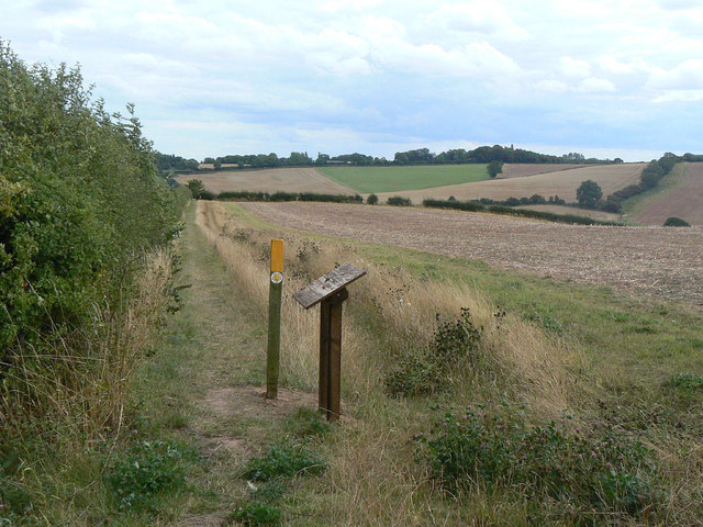 Footpath through Woodborough Park