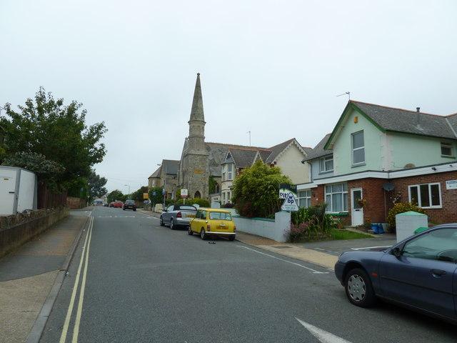 Approaching a classic mini in Leed Street