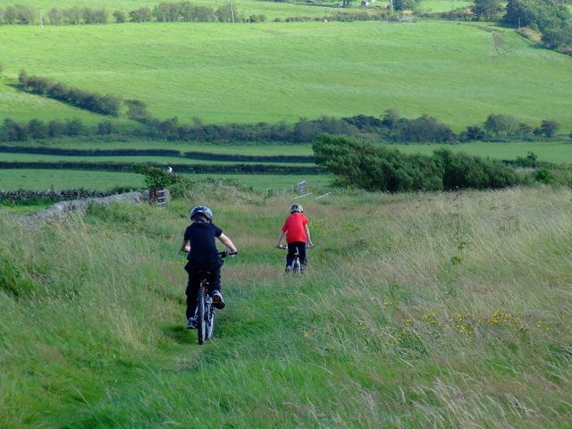 Cyclists at Ettrick Bay