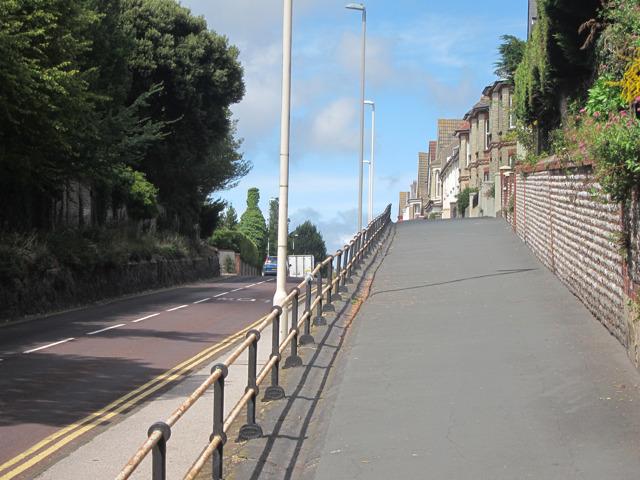 Raised footpath along Willingdon Road