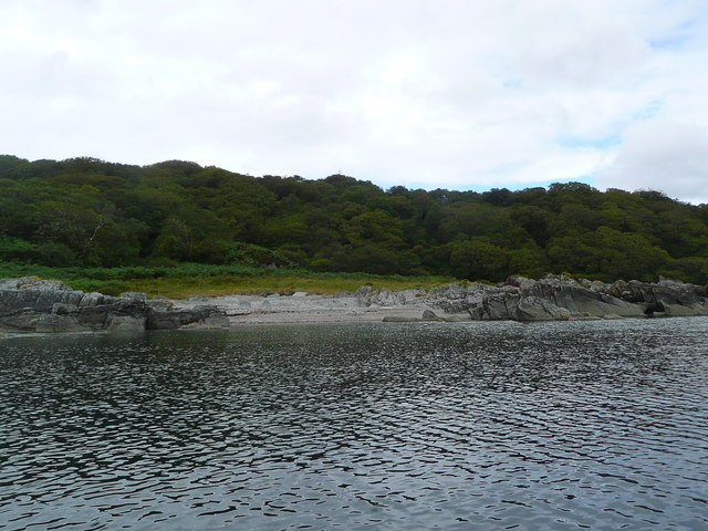 Small beach south of Port Ban