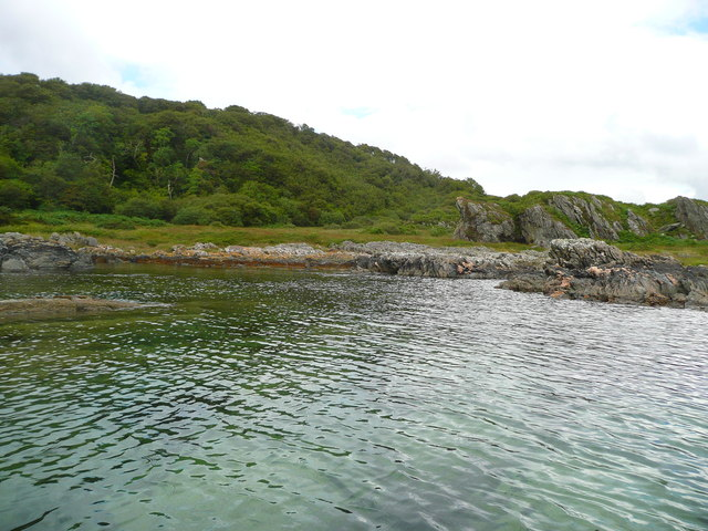 Rocky shore north of Cour Bay