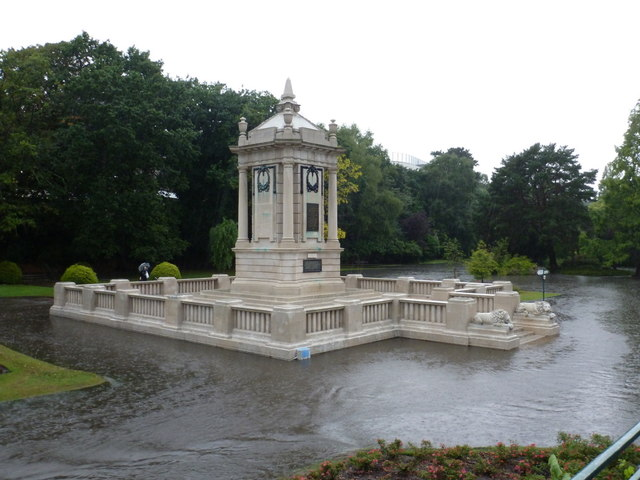 Bournemouth: the cenotaph is an island!