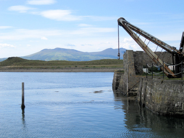 Crane at Fort Belan Dock
