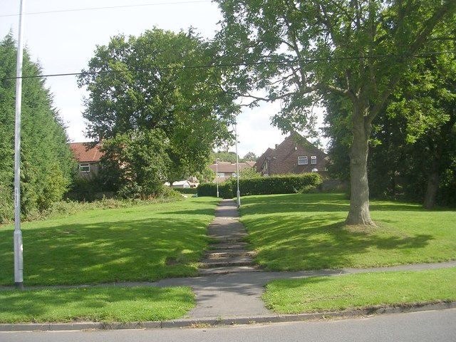 Footpath - Silk Mill Drive