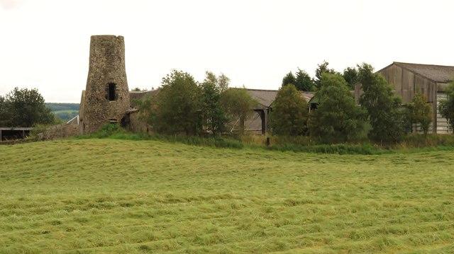Windmill tower at Myrehead Farm, Whitecross