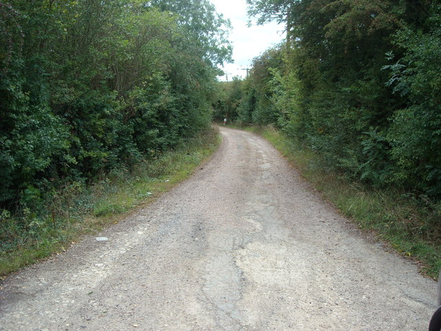 Unmade lane of Station Road, Offenham