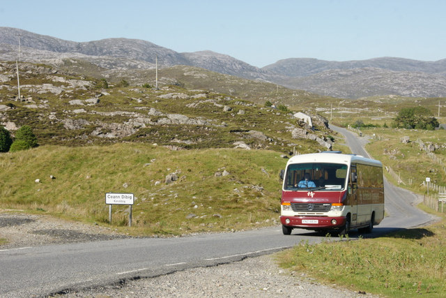 Bus passing through Kendebig (Ceann Dibig)