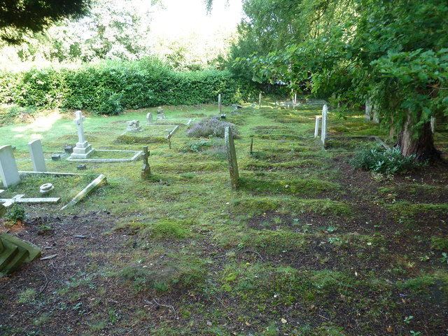 Churchyard at St Mary Ewshot (4)